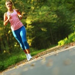 Correr aumenta la masa de los huesos