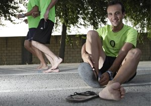 aprendiendo a correr descalzo