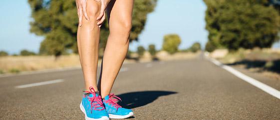 zapatillas de amortiguacion y dolor rodilla