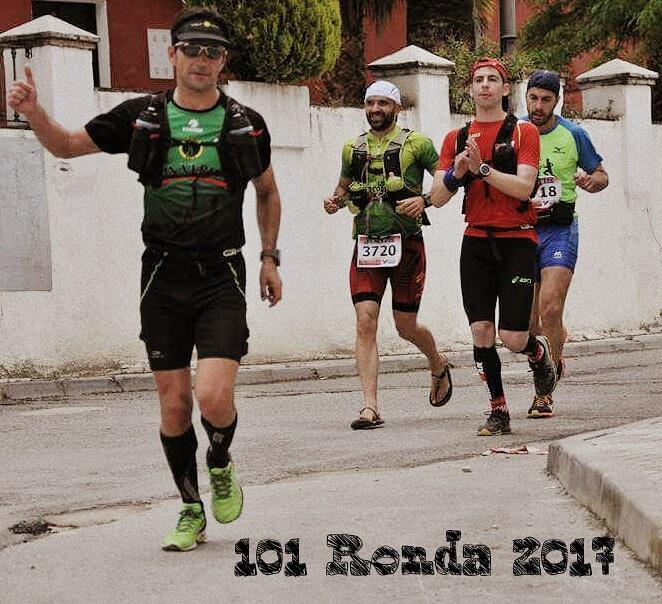 correr minimalista con huaraches por sierra de Ronda